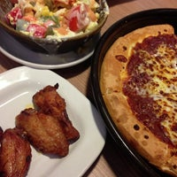 Photo taken at Pizza Hut by Tjong K. on 4/16/2014