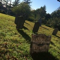 Photo taken at Sunnyside: Home of Washington Irving by Jessica F. on 10/12/2015