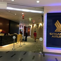 Photo taken at Singapore Airlines Service Centre by Ben N. on 12/17/2016