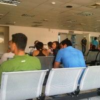 Photo taken at Terminal Peliexpress - Flamingo by Omar C. on 2/15/2013