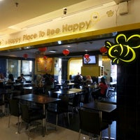 Photo taken at Happy Bee by Hwi Swan C. on 2/18/2016
