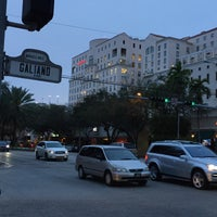 Photo taken at Miracle Mile & Downtown Coral Gables by Luis H. on 3/3/2016