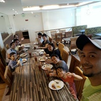 Photo taken at Kenny Rogers Roasters by Dennis L. on 4/17/2016