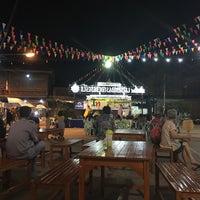 Photo taken at ตลาดย้อนยุคนครชุม by Giggs' Yaowaluck G. on 5/5/2018