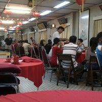 Photo prise au Sek Yuen Restaurant (適苑酒家) par Choi Yen N. le6/30/2012