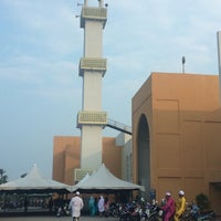 Photo taken at Masjid Al-Ansar, Changkat Lada by Jiman (jim) on 7/28/2014