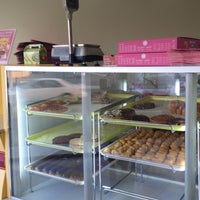 Photo taken at House Of Donuts • بيت الدونات by Ehdaa I. on 1/15/2016