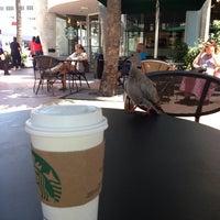 Снимок сделан в Starbucks пользователем Elvirka I. 6/17/2013