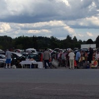 Photo taken at Drive-in Loppis Täby Galopp by Anne Lie S. on 7/20/2014