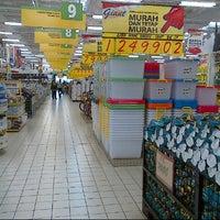 Photo taken at Giant Hypermarket by Ichwan H. on 5/4/2013