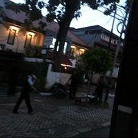 Photo taken at Sari Indah Restoran by Ichwan H. on 4/22/2013