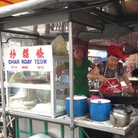 Photo taken at Heng Huat Café by Eddy C. on 11/11/2013