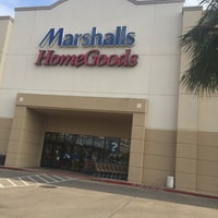 Photo taken at Marshalls by Cesar L. on 6/29/2016