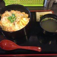 Photo taken at 丼・飯のとり屋 by 130 s. on 4/23/2014