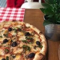 4/13/2017 tarihinde Pelin Ö.ziyaretçi tarafından Double Zero Pizzeria'de çekilen fotoğraf