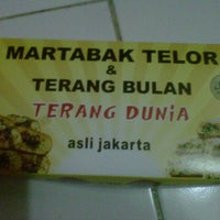 Photo taken at Martabak Terang Dunia by Isnaini A. on 10/13/2013