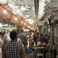 รูปภาพถ่ายที่ Chelsea Market โดย Emily B. เมื่อ 7/3/2013