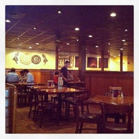 Photo taken at Outback Steakhouse by Fernando F. on 5/22/2013