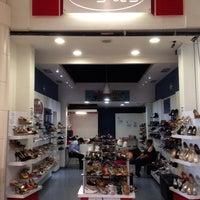 Photo taken at Mundo Shoes by Alvaro T. on 6/17/2014