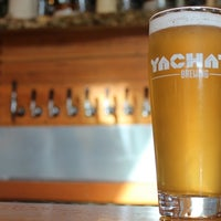4/15/2016에 Yachats Brewing + Farmstore님이 Yachats Brewing + Farmstore에서 찍은 사진
