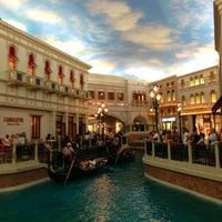 6/13/2013 tarihinde Jeff C.ziyaretçi tarafından The Palazzo Resort Hotel & Casino'de çekilen fotoğraf
