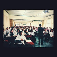 Photo taken at Fakultas Ekonomi Universitas Tanjungpura by yoga a. on 8/30/2014