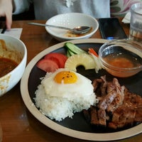 Photo taken at ORIENTAL SPOON by Sungyeon Y. on 4/13/2016