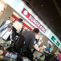 Photo taken at Burger King by Nuri T. on 10/14/2013