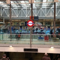 Photo taken at Paddington London Underground Station (District, Circle and Bakerloo lines) by Ben W. on 3/21/2013