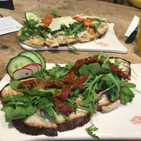 Photo taken at Le Pain Quotidien by Kaak M. on 4/12/2017