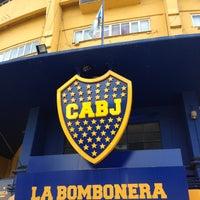 "Foto tirada no(a) Estadio Alberto J. Armando ""La Bombonera"" (Club Atlético Boca Juniors) por Daniel K. em 2/23/2013"