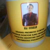 Photo taken at Fakultas Ekonomi dan Bisnis by satul m. on 8/12/2014