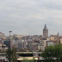 Das Foto wurde bei Eminönü Sahili von 😇Hayriye😇 A. am 10/7/2013 aufgenommen