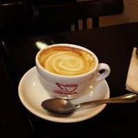 Photo taken at Gianni Gillone Pasta Bar & Ital. Feinkost by maltejk on 12/13/2012