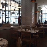 1/21/2014 tarihinde Merih Y.ziyaretçi tarafından Tom's Kitchen'de çekilen fotoğraf