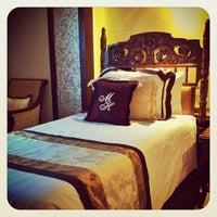 Foto tomada en Manila Hotel por Jun A. el 11/11/2013