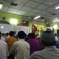 Photo taken at Masjid Kompleks Pertanian Serdang by Syed Naufal A. on 5/13/2016