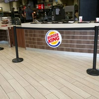Photo taken at Burger King by Enzo W. on 2/26/2017