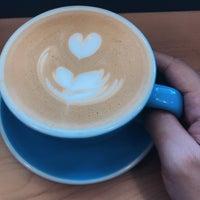 """Das Foto wurde bei Fleet Coffee Co von Shelah Anne """"Marina"""" W. am 5/13/2018 aufgenommen"""
