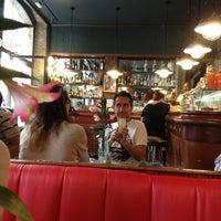 9/23/2013 tarihinde Angel M.ziyaretçi tarafından Café Centric'de çekilen fotoğraf
