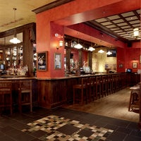 Photo taken at Siné Irish Pub & Restaurant by Siné Irish Pub & Restaurant on 1/28/2015
