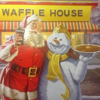 Photo taken at Waffle House by Peter K. on 12/1/2014