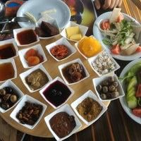 Photo taken at Ayaklı Göl Cafe & Restaurant by Esra U. on 2/27/2016