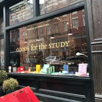 Photo prise au McNally Jackson Store: Goods for the Study par Jim W. le4/2/2018