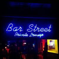 Das Foto wurde bei Bar Street von İsmail Cem T. am 4/12/2013 aufgenommen