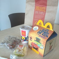 Photo taken at McDonald's by Ruben S. on 8/2/2014