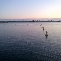 Das Foto wurde bei Embarcadero Marina Park South von Elana M. am 9/11/2013 aufgenommen