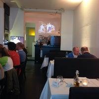 Das Foto wurde bei Café Central von Vladimir D. am 5/31/2014 aufgenommen