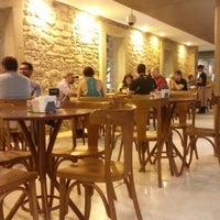 Foto tirada no(a) Kampalla Café por Fábio M. em 11/4/2012