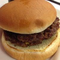 Photo taken at Steak 'n Shake by Burger B. on 6/4/2013